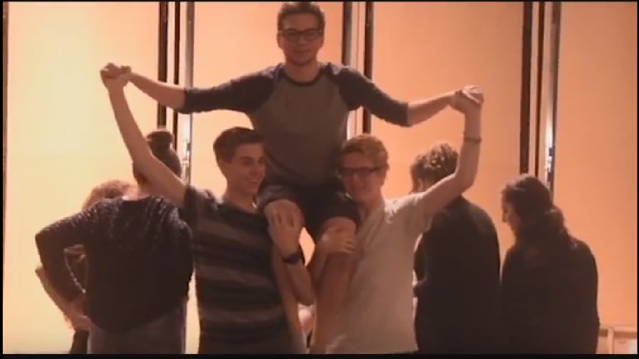 Screenshot+of+the+cast+for+the+Giver+rehearsing.