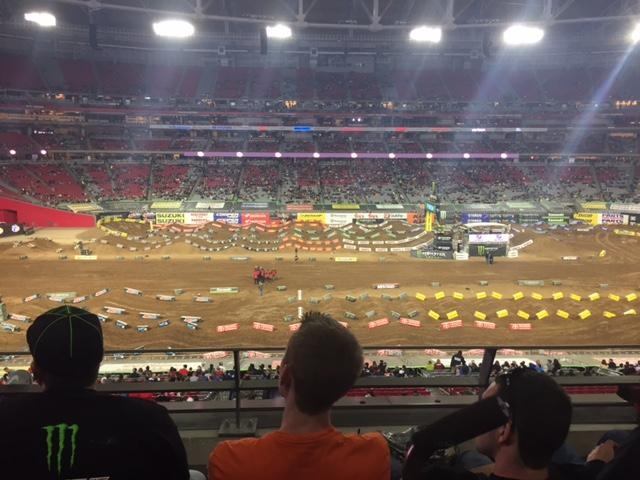 This+is+the+second+year+in+a+row+Phoenix+Supercross+has+a+long+straight+away+to+begin+the+race.