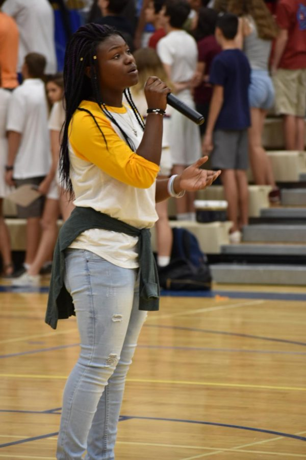 Gabby+Ilunga-Kabamba%2C+sophomore%2C+sings+National+Anthem+at+assembly.