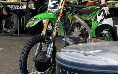 Phoenix Supercross rides into Arizona