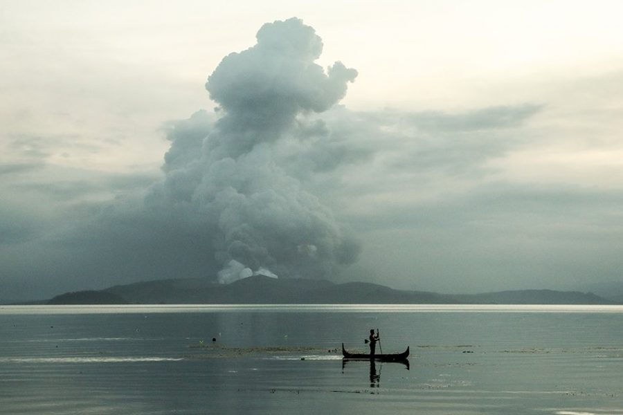 Taal+Volcano+erupts+in+the+Philippines%2C+bringing+chaos+and+fear+to+the+country.