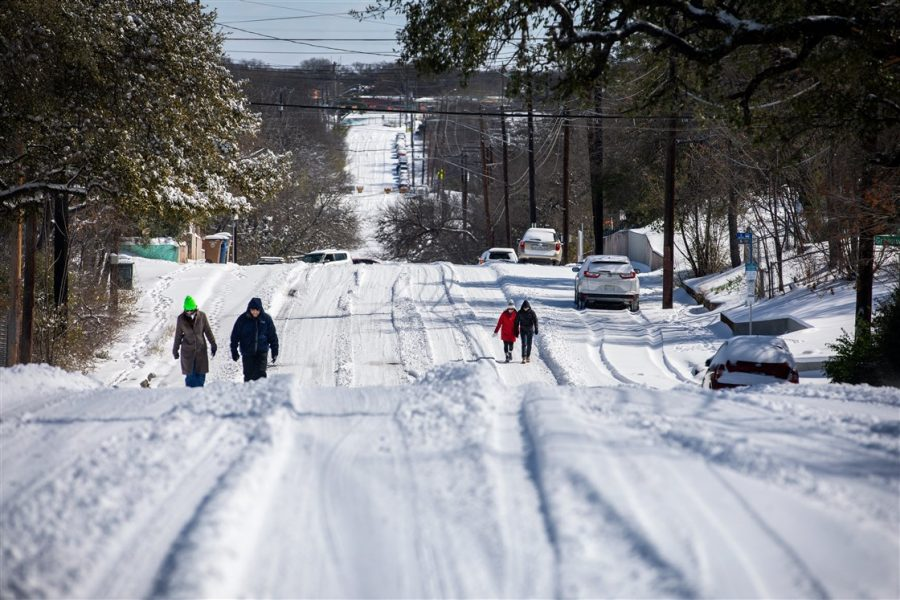 Deadly Texas snowstorms cause frenzy